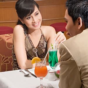How to plan a romantic dinner date